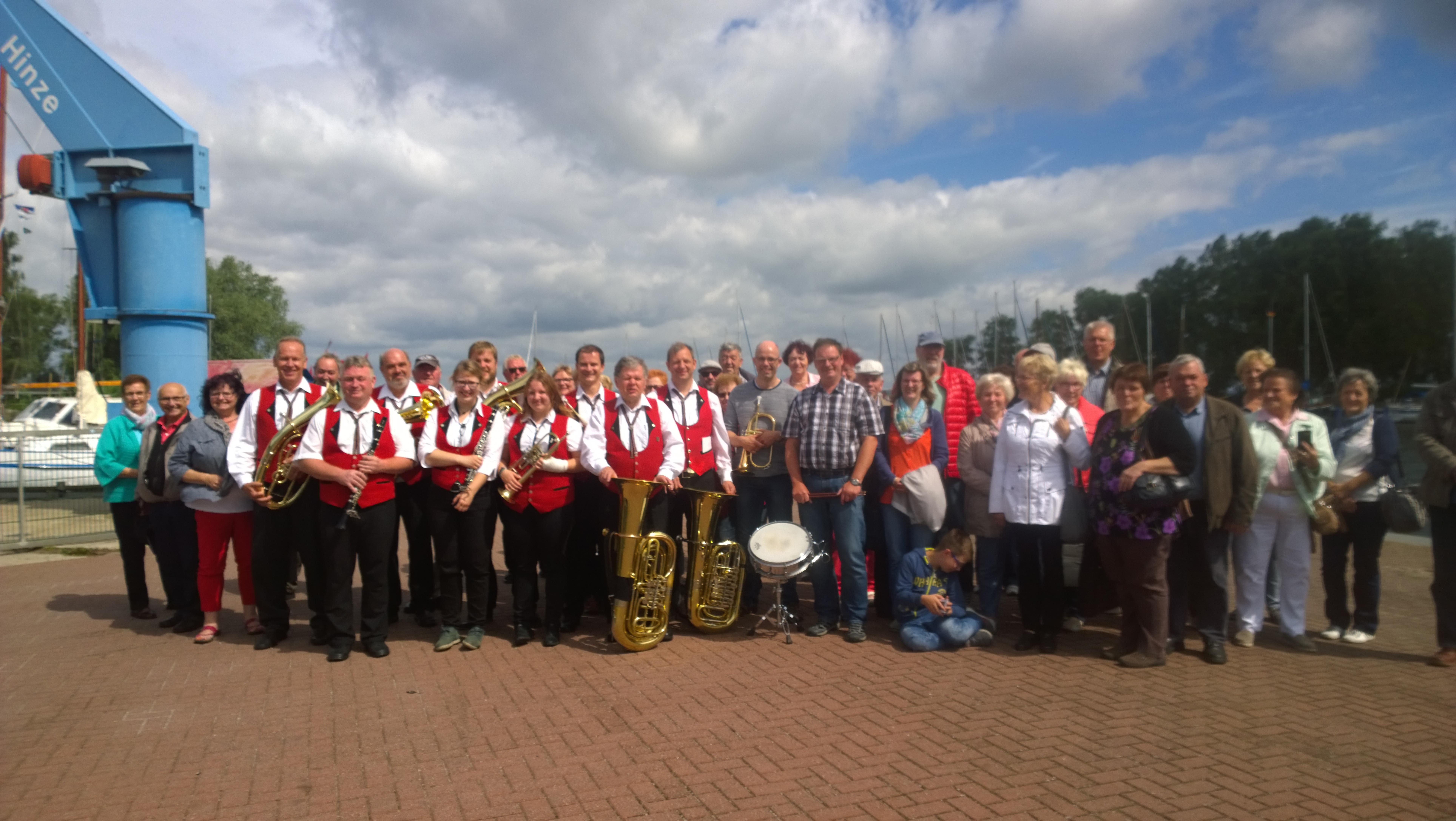 Die Eichsfeldmusikanten mit Freunden und Fans am Stettiner Haff in Mönkebude